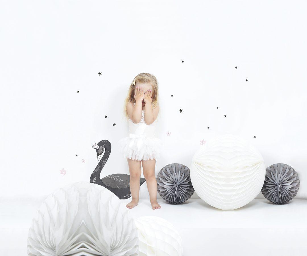 Mädchenzimmer mit Schwan