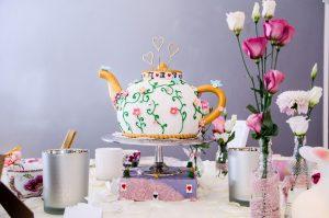 Gerstner Torte Kinderfest Teekanne